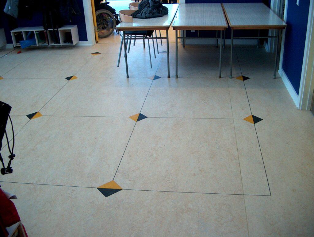 Linoleumgulv med mønster